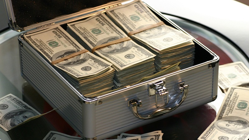 сколько весит миллион долларов в 100 долларовых купюрах