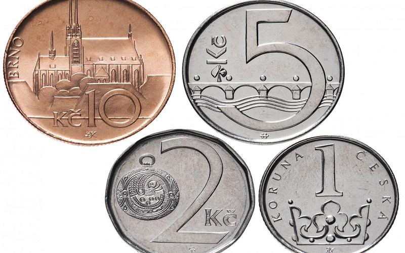 какую валюту брать в Чехию